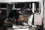 HALIL ÖNER - Yüksekova'da Trafik Kazası: 3 Ölü, 11 Yaralı