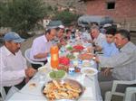 Kaymakam Gümüşçüoğlu'ndan İhtiyaç Sahibi Ailelerle İftar