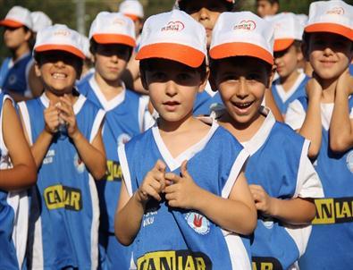 Yaz Spor Okulunu Başarıyla Bitirdiler