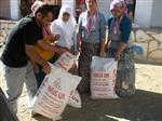İş Adamından Fakir Ailelere Gıda Yardımı
