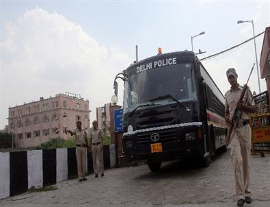 Hindistan'da Toplu Tecavüz Sanıkları Suçlu Bulundu