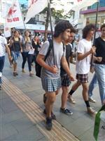 OKUL FORMASI - Erkek Öğrencilerden 'diren Etek' Eylemi