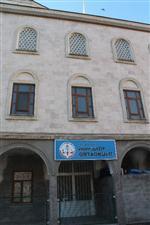Trabzon'da Bir Cami Altı Okul Daha