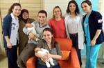 GEBELİK TAKİBİ - Doğduktan 18 Gün Sonra Buluşan İkizler Taburcu Oldu