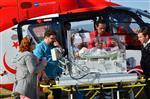 METIN ERTÜRK - Ambulans Helikopter Ayşe Bebeği Yaşatmak İçin Havalandı