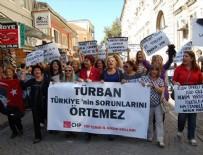 CHP Kadın Kolları'ndan başörtüsü eylemi