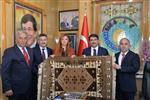 MUHAMMET AKYOL - Başkan Çelik Gördes'e Çıkarma Yaptı
