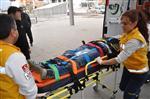 MUHARREM DOĞAN - Karacasu'da Trafik Kazası; 3 Yaralı