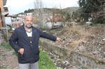 Dikili'de Çöplüğe Dönen Su Kanalı Çevreyi Tehdit Ediyor