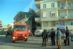 MAHMUT ŞAFAK - Apartman Boşluğunda Çıkan Yangını Korkuttu