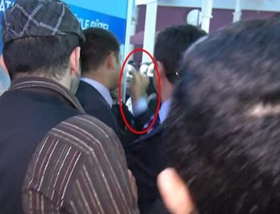 Mustafa Sarıgül'den vatandaşa yumruk