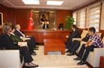 MEHMETÇİK İLKÖĞRETİM OKULU - Türk, Libya ve Yemenli Çocuklardan Vali Ata'ya Ziyaret