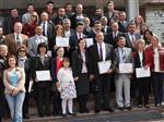 Dikili'de Başkan Mustafa Tosun Mazbatasını Aldı