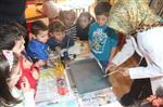 EBRU SANATı - Yabancı Uyruklu Öğretmenlere Ebru Sanatı Dersi
