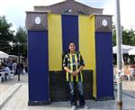 Şarköy'de Taraftar Çeşmesi Sarı Lacivert Renklere Boyandı