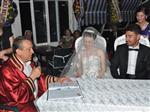 Dikili'nin Başkanı İlk Nikahını Kıydı