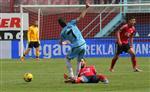 BEŞİKDÜZÜSPOR - Hüseyin Avni Aker'de 34 Yıl Sonra Amatör Bir Maç Oynandı