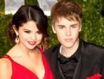 JUSTİN BİEBER - Selena Gomez, Justin Bieber'dan kaçıyor