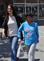 KÜÇÜK MUSTAFA MAHALLESİ - Bebeğinin Bacağını Kesen Kadın Tedavi Gördüğü Hastaneden Taburcu Edildi