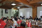 GAMZE BULUT - Gençlik Hizmetleri ve Spor İl Müdürü Murat Eskici, Atletizm ve Kayak Milli Takım Sporcuları Erciyes'te Buluştu