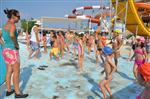Dikilili Çocukların Havuz Keyfi