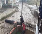 Erzincan'daki Sel Cep Telefonu İle Görüntülendi