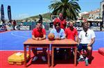 EVRENSELLIK - Foça'da Basketbol Şöleni Başladı