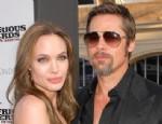 Haber:Medyumu açıkladı: Brad Angelina'yı sevmiyor