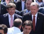 Erdoğan'a cuma namazında Davutoğlu eşlik etti