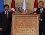 Davutoğlu'ndan Erdoğan'a anlımlı hediye