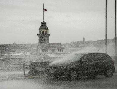 Fotoğraflarla İstanbul'da fırtına