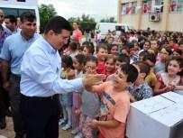 OKUL FORMASI - Kepez Belediye Başkanı Tütüncü'den, 5 Bin 558 Öğrenciye Forma