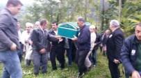 AHMET TEZCAN - Yatağında Ölü Bulunan Gazeteci Toprağa Verildi