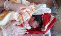 Çocuğunu Deniz Ambulansında Dünyaya Getirdi