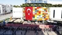 EBRU SANATı - 92 Metrekarelik Kumaşa 92. Yıla Özel Ebru İle Türk Bayrağı Yansıtıldı