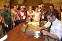 EBRU SANATı - Konuklar, Battalgazi'ye Hayran Kaldı