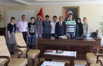 ALI ERDOĞAN - Kaymakam Erdoğan 11 Öğrenci'yi Altınla Ödüllendirdi