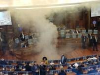 KOSOVA MECLİS BAŞKANI - Vekiller Meclis Salonuna Göz Yaşartıcı Gaz Attı