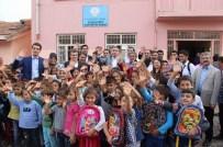 TAHSIN ARSLAN - AK Parti İstanbul İl Teşkilatı Diyarbakır'da 3 Bin Öğrenciye Çanta Dağıttı