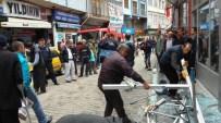 Borçka'da Tüp Patladı Açıklaması 2 Yaralı