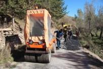 Sivas İl Özel İdaresi Yol Bakım Ve Onarım Çalışmalarını Sürdürüyor