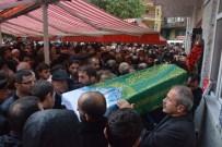 Borçka'daki Heyelanda Hayatını Kaybedenler Toprağa Verildi