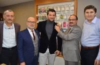MUSTAFA GÜLEÇ - Fanatik CHP'li Esnaf İddiayı Kaybetti, AK Parti'ye Geçti