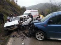 Çatalpınar'da Trafik Kazası Açıklaması 3 Yaralı
