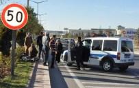 AHMET TÜRK - Afyonkarahisar'da Trafik Kazası Açıklaması 2 Yaralı