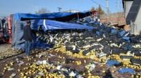 SEDAT YILMAZ - Kamyon Evin Duvarına Çarptı Açıklaması 1 Ölü, 1 Yaralı