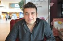 BİROL GÜVEN - Darıcalı Genç Gazeteci Çocukluk Hayallerini Gerçekleştirerek Oyuncu Oldu