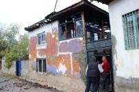 BAŞKARCı - Denizli'de Çıkan Yangında 4 Ev Kullanılamaz Hale Geldi