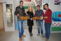 DAVUTLAR - Kuşadası Belediyesi'nden Öğrencilere Vitamin Desteği