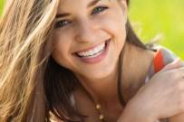 DİŞ ÇÜRÜMESİ - Diş Sağlığınız İçin Bu Yiyeceklerden Uzak Durun